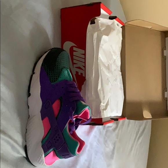 Nike Shoes | Nike Huarache Run Now Gs